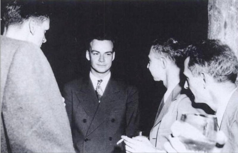 Feynman_and_Oppenheimer_at_Los_Alamos
