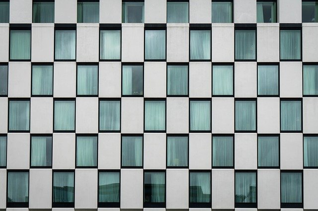 parecen iguales ventanas hotel